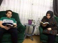 Öğrenciler velileriyle hergün yarım saat evde kitap okuyor
