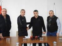 Düzcespor'da Mustafa Sarıgül resmen dönemi başladı