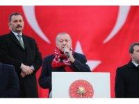 """Cumhurbaşkanı Erdoğan, Bergama'da konuştu: """"Savunma sanayinde yerlilik oranı yüzde 20'ydi, şimdi yüzde 70'in üzerine çıktı"""""""