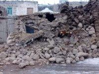 İran'daki deprem Van'da hasara neden oldu: Yaralılar var