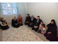 Başkan Beyoğlu, tek gözlü evde yaşayan mağdur aileye sahip çıktı