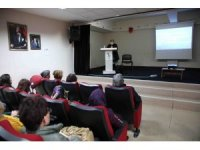 Bayraklı'da ailelere iletişim semineri