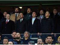 Bakan Kasapoğlu, derbiyi başkanlarla izledi
