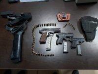 Şiddet uygulayan eşin evinden 3 adet silah çıktı