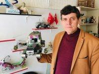 Hurdacıdan kilosu 2 liraya aldığı atık ürünlerle birbirinden ilginç oyuncak araçlar yapıyor