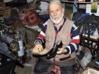 64 yılını diktiği ayakkabılara sığdırdı