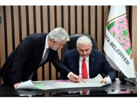 Binali Yıldırım, Isparta Belediye Başkanı Başdeğirmen'i ziyaret etti