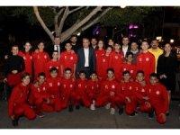 U14 futbol takımı şampiyonluğu kutladı