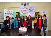 Öğrencilere doğum günü sürprizi