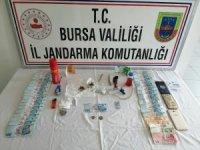 Bursa'da 4 uyuşturucu şüphelisi jandarmadan kaçamadı