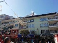 Düzce'de binanın çatısından çıkan dumanlar itfaiye harekete geçirdi