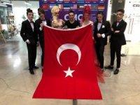 Türk kuaförler Dünya Şampiyonu oldu