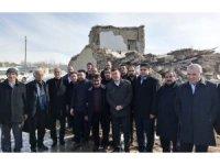 CHP heyeti Başkale deprem bölgesinde