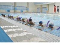 Su Sporları Merkezinde yüzme öğrenen çocuk sayısı bin 200'e ulaştı