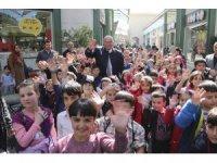 Dalamalı çocukların yüzü Başkan Atay ile güldü