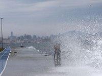 Meteoroloji İstanbul için lodos fırtınası uyarısı yaptı
