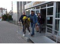 Annesinin emekli maaşını çeken kadını sokakta gasp eden zanlılar tutuklandı