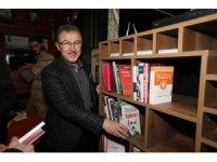 Tarihi Kemerburgaz Kahvehanesine kitaplık kuruldu