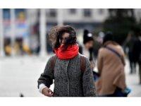 Taksim'de lodos hayatı olumsuz etkiliyor