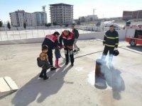 Sivil Savunma Gününde itfaiyeden yangın tatbikatı