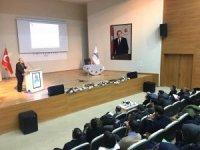 ADÜ Öğretim Görevlisi Çavuş, Ağrı'da seminer verdi