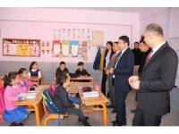 'Kütüphanesiz Okul Kalmasın' projesiyle okullara kütüphane