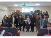 """Prof. Dr. Özerdoğan'dan yurt personeline """"Kadınlarda Üreme Sağlığını Koruyucu Uygulamalar"""" semineri"""