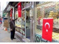 Araban Türk bayraklarıyla donatıldı