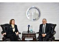 Kültür ve Turizm Bakan Yardımcısı Özgül Özkan Yavuz Başkan Büyükkılıç'ı ziyaret etti