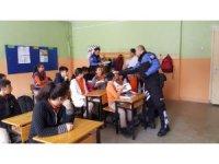Hakkari emniyeti gençlere polislik mesleğini tanıttı
