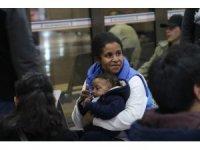 Avrupa hayali kuran mülteciler Denizli otogarında yoğunluk oluşturdu