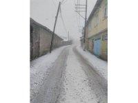 Gönen'de kar sürprizi