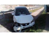 Kontrolden çıkan araç yağmur kanalına düştü: 2 yaralı