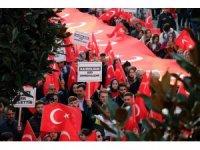 Sakarya'da yüzlerce kişi şehitler için gıyabi cenaze namazı kıldı