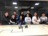MER Koleji öğrencileri robotik kodlama yarışmalarına hazırlanıyor