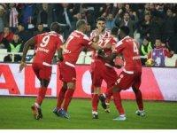 Süper Lig: Sivasspor: 1 - Galatasaray: 1 (Maç devam ediyor)