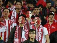 Sivas 4 Eylül Stadyumu tamamen doldu