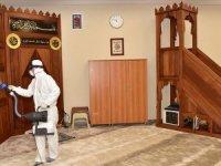 İBB koronavirüse karşı hizmet binaları ve ibadethaneleri dezenfekte ediyor