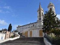 İtalya'da Kovid-19 nedeniyle ölenlerin sayısı 631'e yükseldi