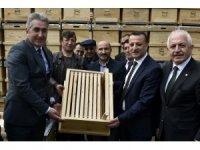 Gümüşhane'de arıcılara 860 adet organik kovan dağıtıldı