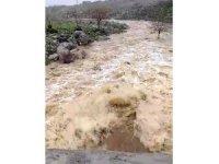 Kırsal bölgelerde yapılan menfezler sel baskınlarını önledi