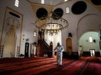 Diyanet İşleri Başkanlığı: Cuma günü ve kandil gecesi camiler kapalı tutulacak