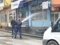 Uludere Belediyesi çarşı ve sokakları tazyikli su ile temizledi