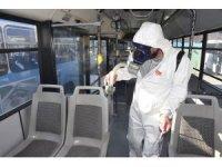 İzmit'te yüzlerce nokta korona virüse karşı ilaçlandı