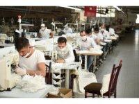Tarsuslu tekstilci Koronavirüs  için 30 bin adet ücretsiz  maske üretti