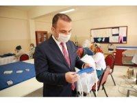 """Başkan Kibar: """"100 bin maske üretip ihtiyaç sahiplerine dağıtacağız"""""""