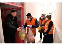 Çayıorova'da 'Vefa' ekipleri yaşlılara hizmet vermeyi sürdürüyor