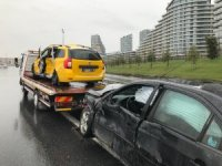 Kayganlaşan yolda trafik kazası: 2 yaralı