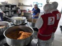 Kızılay, Karantina yurdunda kalanlara 4 öğün yemek veriyor
