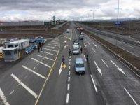 Kayseri'de araç girişlerindeki kontroller, uzun kuyruklar oluşturdu